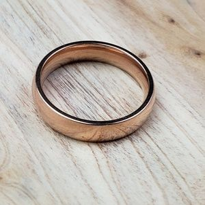 Other - Rose Gold Plain Rounded 4mm Ring